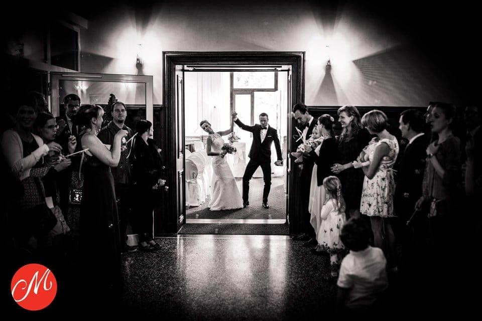 Gut Eicherhof Brautpaar Trauung Fotoaward Hochzeitsfotograf Köln