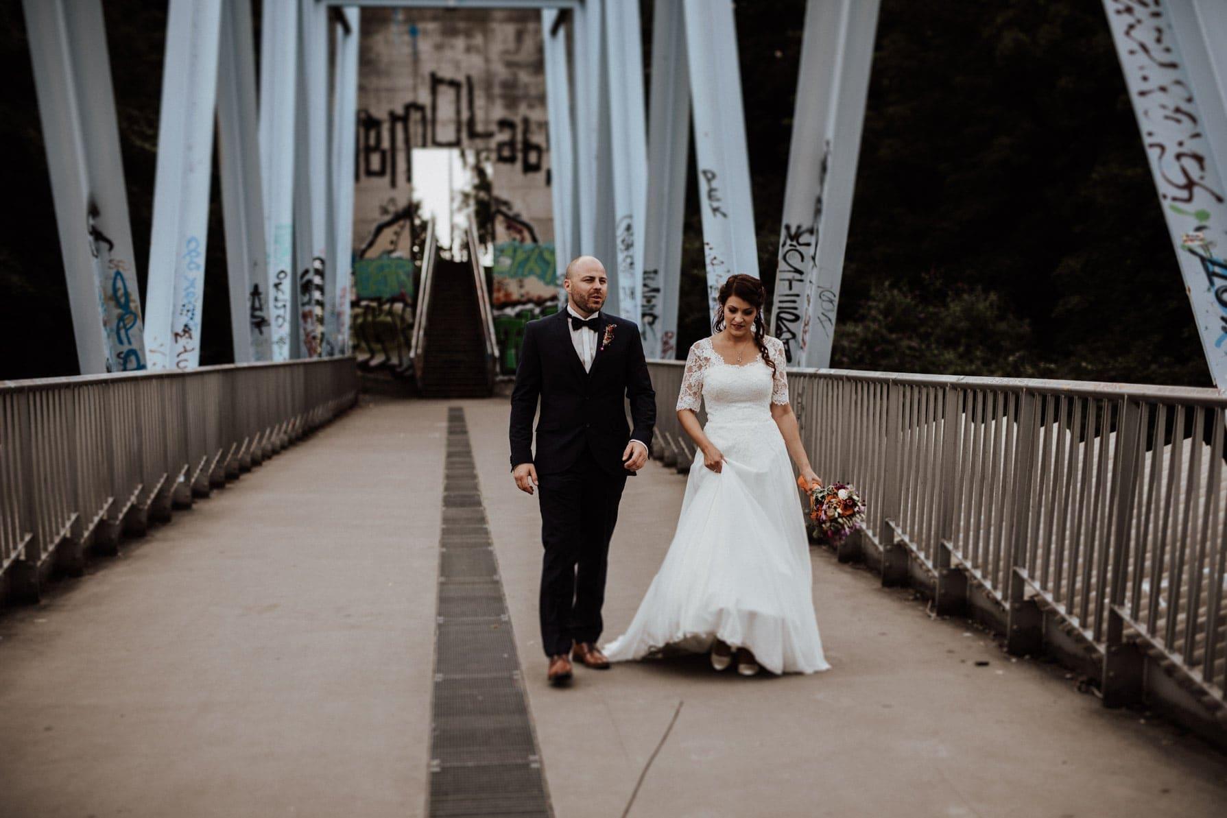 Fotoshooting Mediapark Köln Brautpaar Hochzeitsfotograf