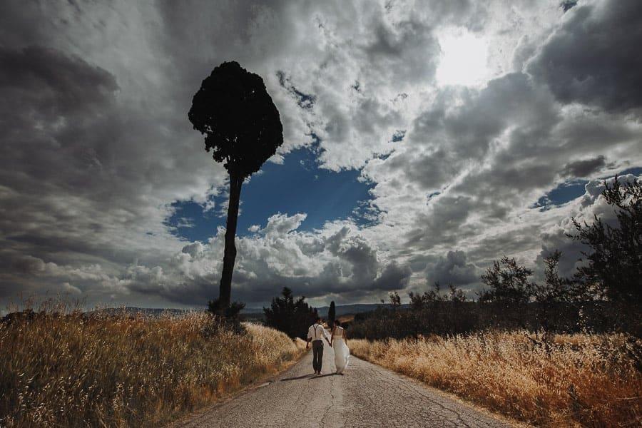 Toskana Landschaft Hochzeitspaar Brautpaar