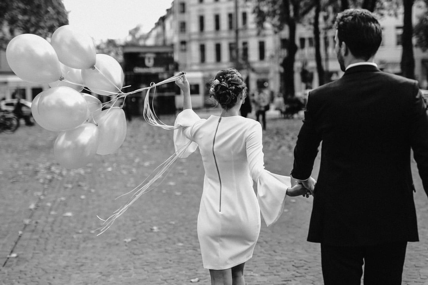 Brautpaarfotoshooting auf dem Chlodwigplatz