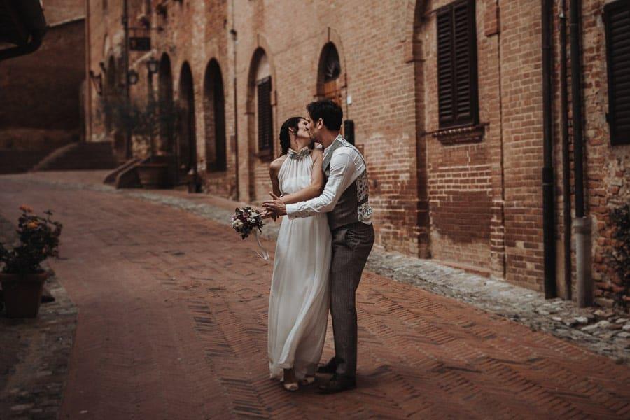 Brautpaarfotoshooting Toskana Certaldo