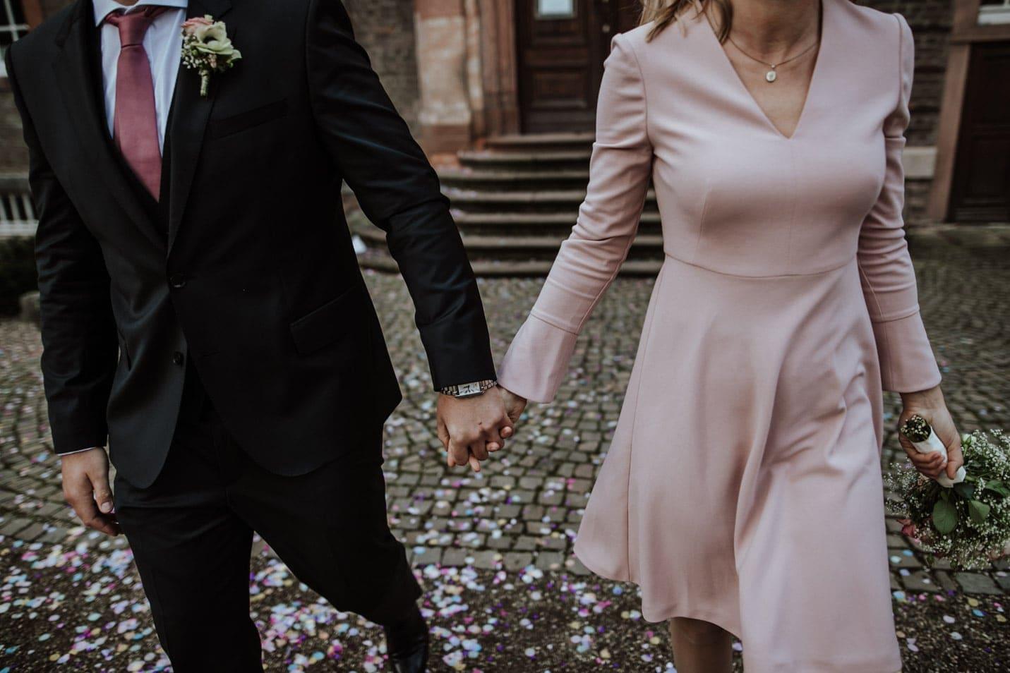 Hand in Hand Schloss Wahn Heiraten
