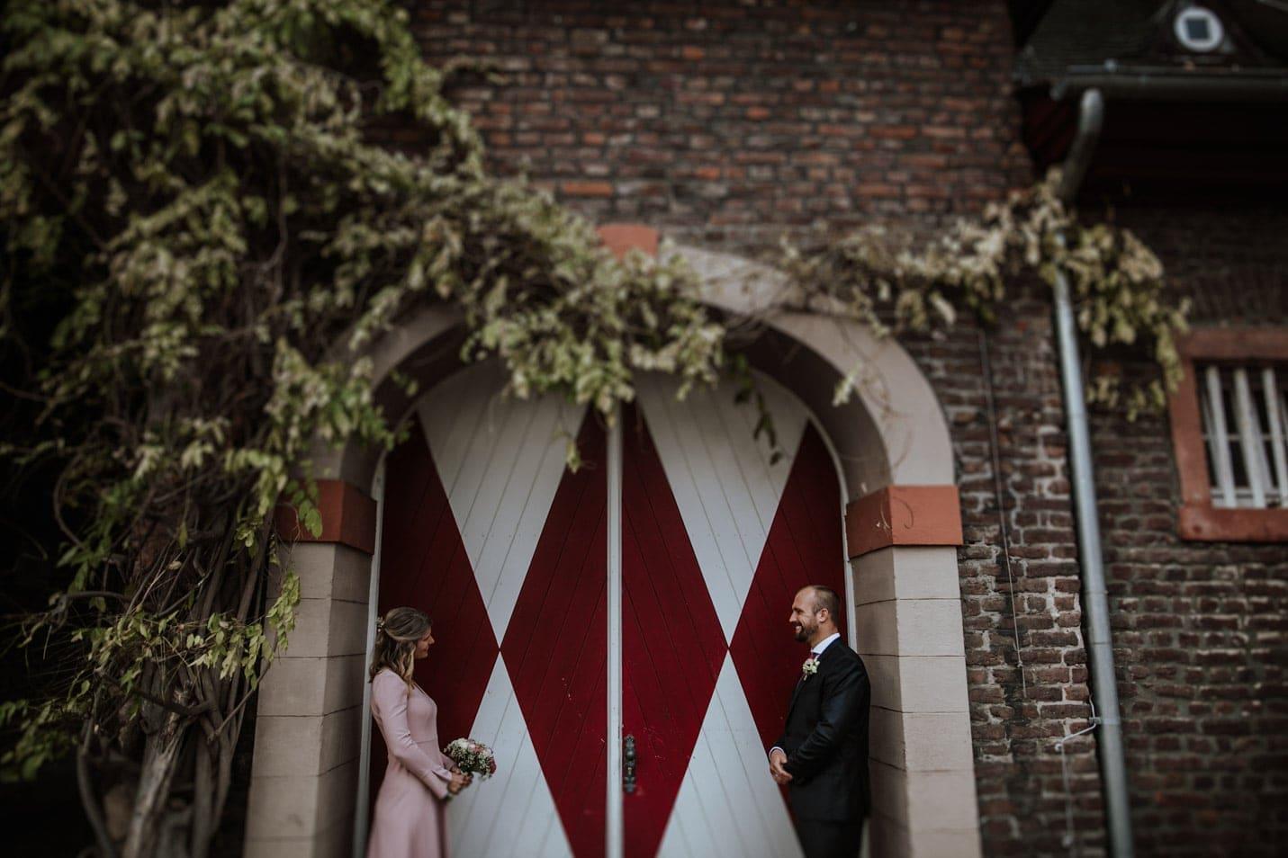 Brautpaarfotoshooting in Schloss Wahn Köln