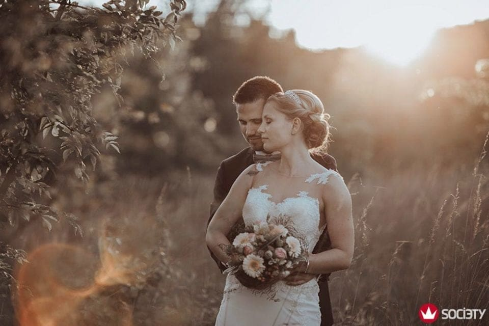 Als Fotograf Köln habe ich einen neuen Fotoaward gewonnen. Das Brautpaar hat das an ihrem Hochzeitstag aber auch toll gemacht.