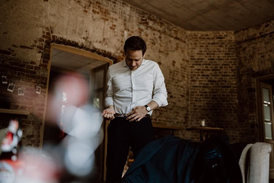 Sven Hebbinghaus Hochzeitsfotograf Köln Getting Ready Braeutigam
